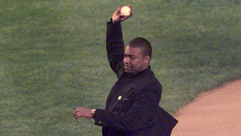 Jesse Simms threw out the ceremonial first pitch at Shea Stadium on April 15, 1997.