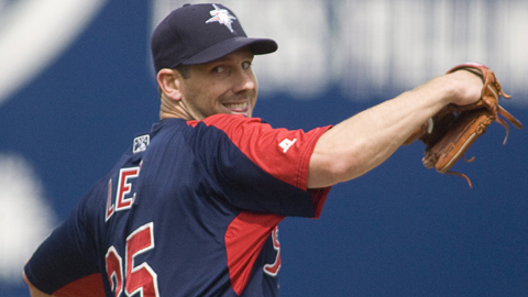 Cliff Lee is expected to make his Mariners' debut on Friday against Texas.