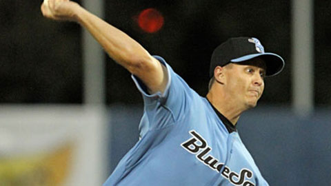 Ex-big leaguer Chris Oxspring tossed six shutout innings in the opener.