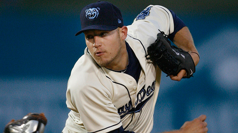 Right-hander Wes Roemer retired 14 straight batters on Monday night.