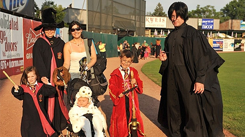 Myrtle Beach is encouraging its fans to dress in Harry Potter costumes on July 14.