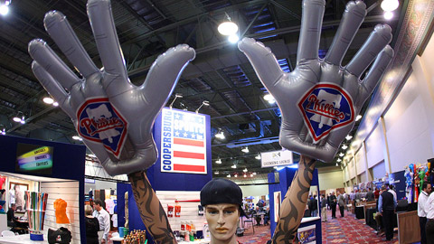 Thunder Hands combine thunder sticks power and the size of foam fingers.