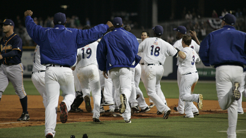 C Brian Peacock's bunt single gave Pensacola a 5-4 walk-off win Saturday night.