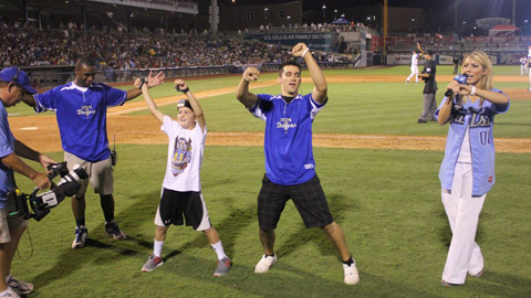 The Tulsa Drillers Promotions and Entertainment Departments are looking for Dynamic Individuals for the 2013 season. These part-time positions provide a fun employment opportunity qualified persons!